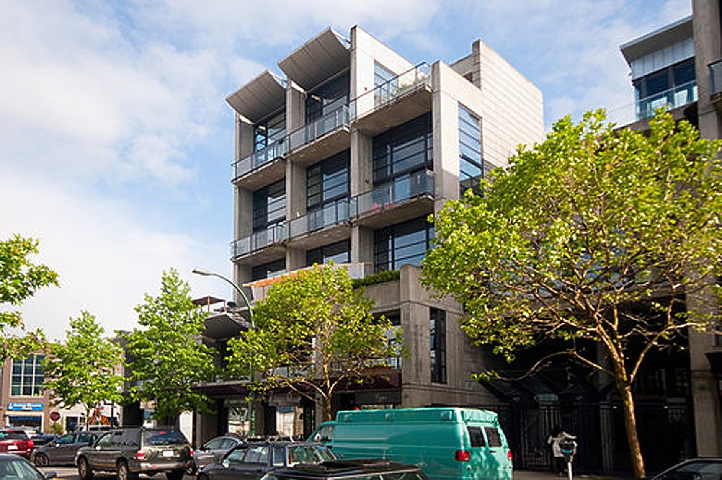 "Main Photo: 312 428 W 8TH Avenue in Vancouver: Mount Pleasant VW Condo for sale in ""XL LOFTS"" (Vancouver West)  : MLS®# R2183046"