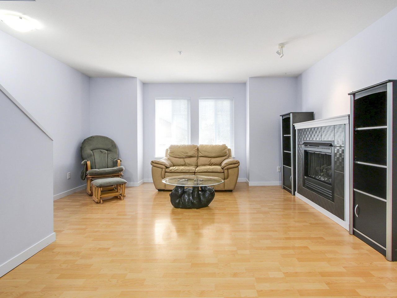 "Photo 3: 21 12711 64 Avenue in Surrey: West Newton Townhouse for sale in ""Palette on the park"" : MLS(r) # R2189051"