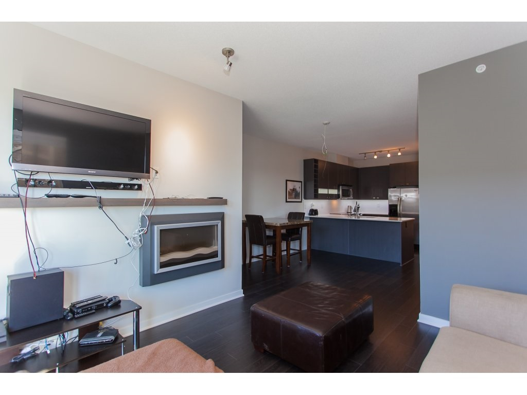 "Photo 5: 404 5655 210A Street in Langley: Salmon River Condo for sale in ""Cornerstone"" : MLS® # R2192196"