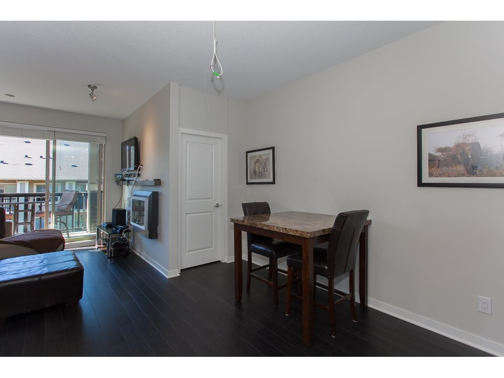 "Photo 6: 404 5655 210A Street in Langley: Salmon River Condo for sale in ""Cornerstone"" : MLS® # R2192196"