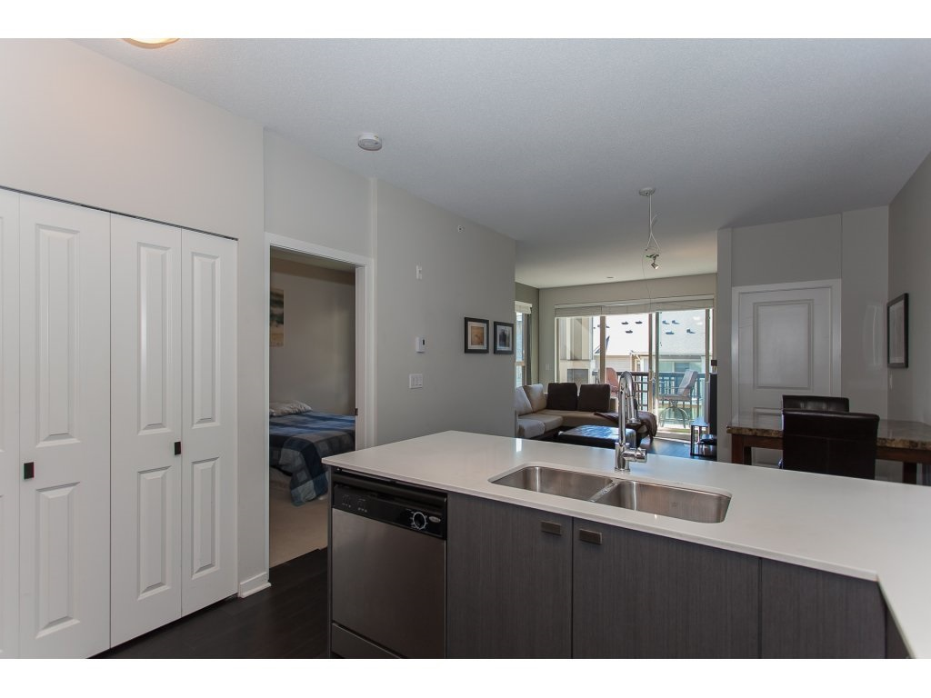 "Photo 13: 404 5655 210A Street in Langley: Salmon River Condo for sale in ""Cornerstone"" : MLS® # R2192196"