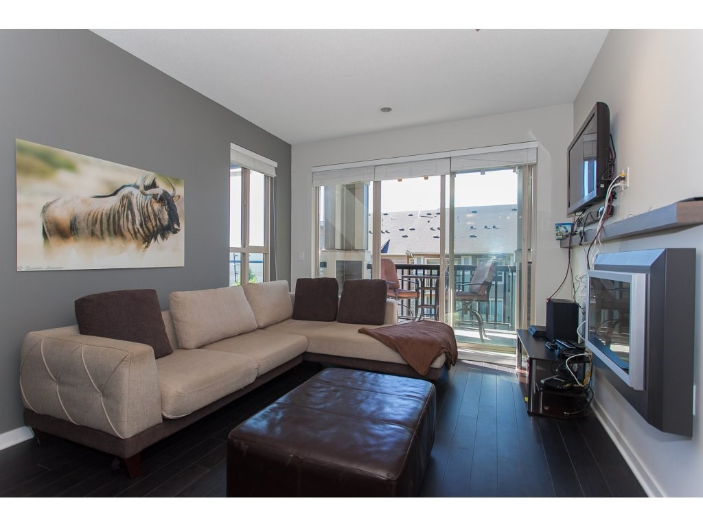 "Photo 3: 404 5655 210A Street in Langley: Salmon River Condo for sale in ""Cornerstone"" : MLS® # R2192196"