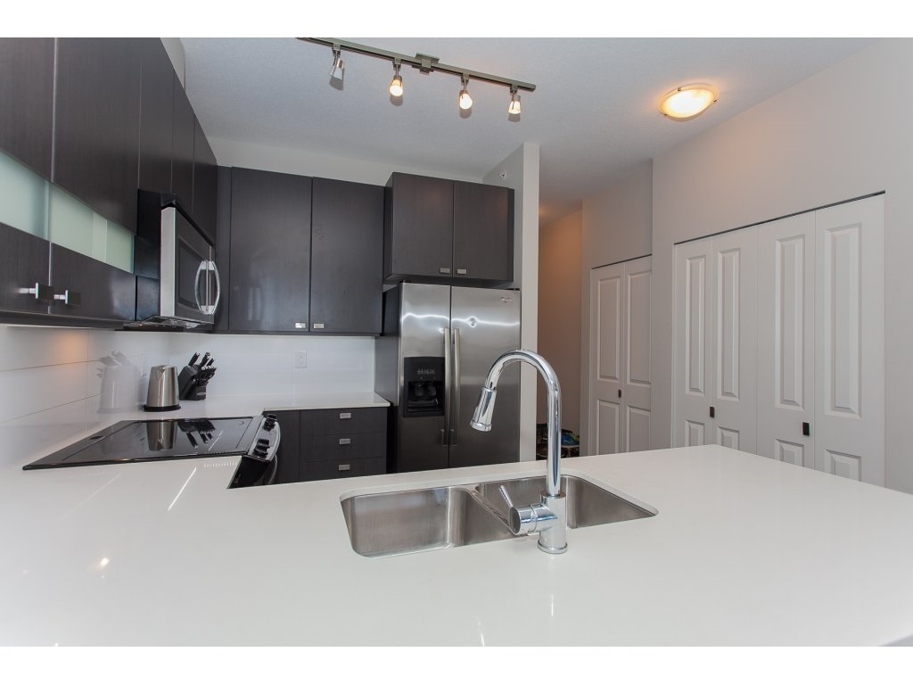 "Photo 9: 404 5655 210A Street in Langley: Salmon River Condo for sale in ""Cornerstone"" : MLS® # R2192196"
