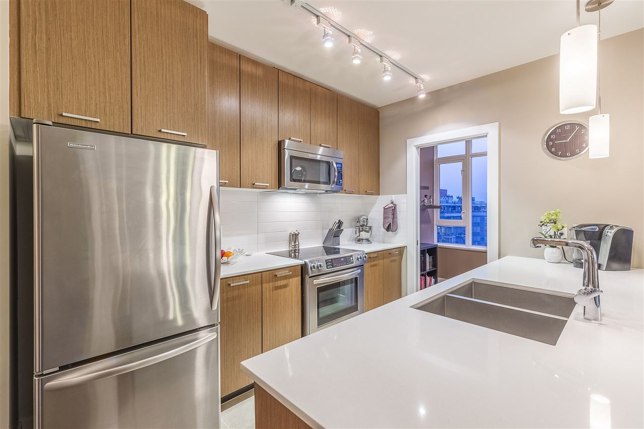 "Photo 3: Photos: 706 2321 SCOTIA Street in Vancouver: Mount Pleasant VE Condo for sale in ""The Social"" (Vancouver East)  : MLS® # R2194853"
