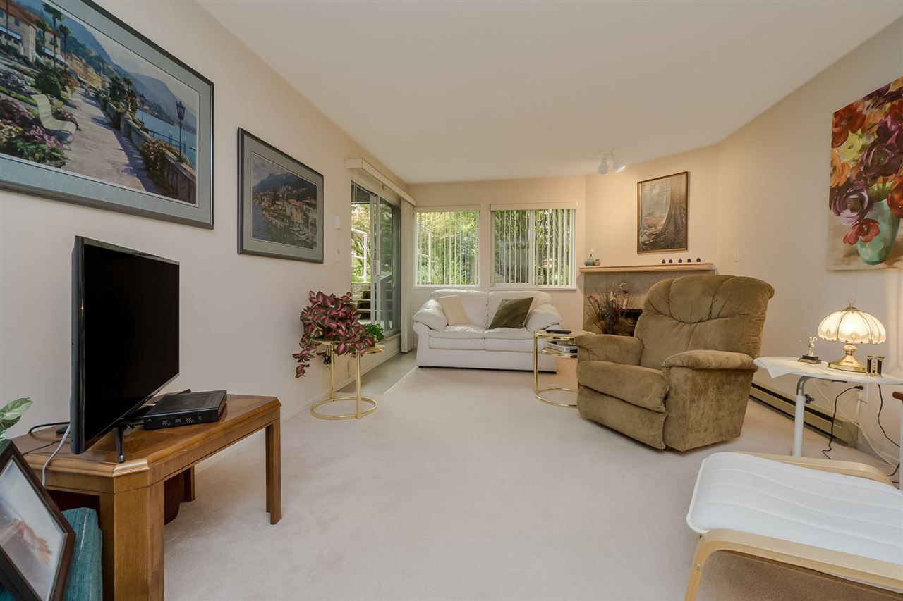 "Photo 3: 105 7465 SANDBORNE Avenue in Burnaby: South Slope Condo for sale in ""SANDBORNE HILL"" (Burnaby South)  : MLS® # R2204100"
