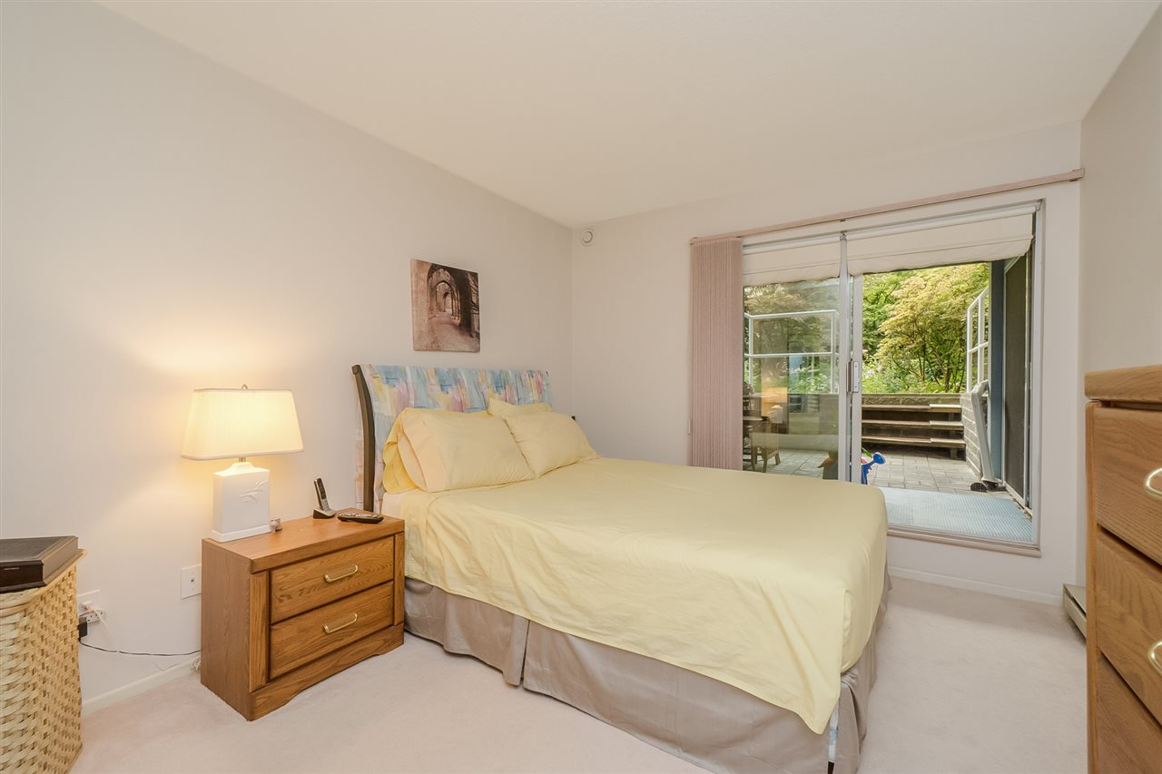 "Photo 13: 105 7465 SANDBORNE Avenue in Burnaby: South Slope Condo for sale in ""SANDBORNE HILL"" (Burnaby South)  : MLS® # R2204100"