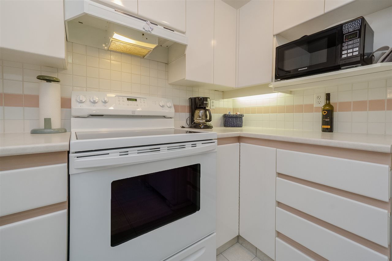 "Photo 12: 105 7465 SANDBORNE Avenue in Burnaby: South Slope Condo for sale in ""SANDBORNE HILL"" (Burnaby South)  : MLS® # R2204100"