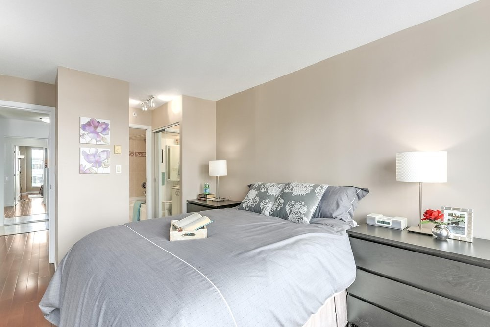 "Photo 7: 904 939 HOMER Street in Vancouver: Yaletown Condo for sale in ""PINNACLE"" (Vancouver West)  : MLS® # R2204884"