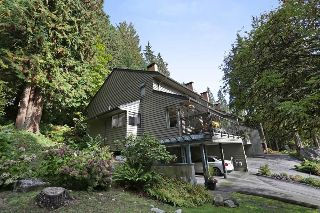 "Main Photo: 822 FREDERICK Road in North Vancouver: Lynn Valley Townhouse for sale in ""Lara Lynn"" : MLS® # R2214486"