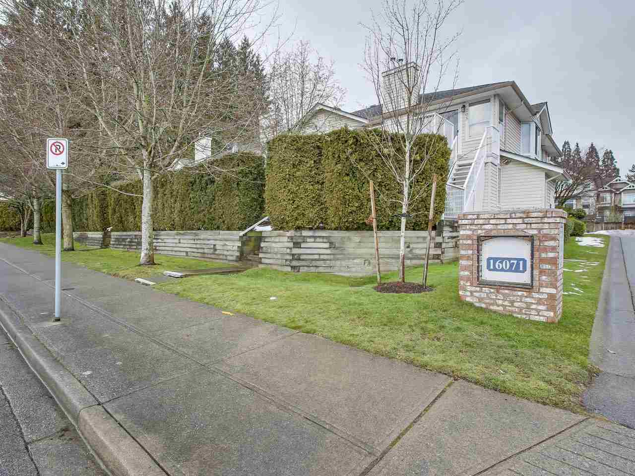Main Photo: 107 16071 82 Avenue in Surrey: Fleetwood Tynehead Townhouse for sale : MLS® # R2245993