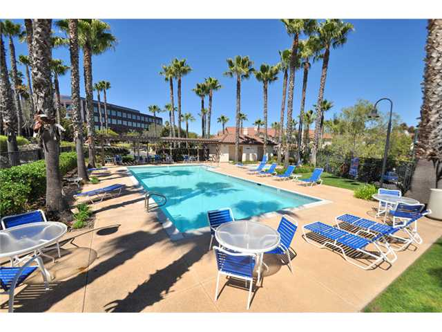 Photo 11: SAN DIEGO Home for sale or rent : 3 bedrooms : 10218 Wateridge #172