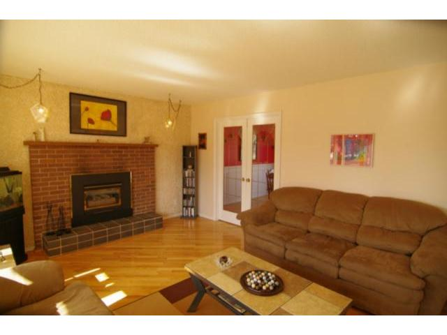 Photo 2: 127 Pentland Street in WINNIPEG: North Kildonan Residential for sale (North East Winnipeg)  : MLS® # 1107772
