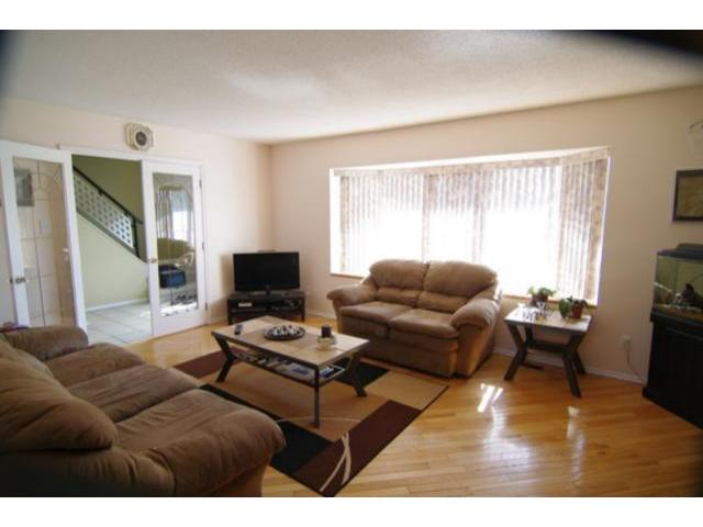 Photo 3: 127 Pentland Street in WINNIPEG: North Kildonan Residential for sale (North East Winnipeg)  : MLS® # 1107772