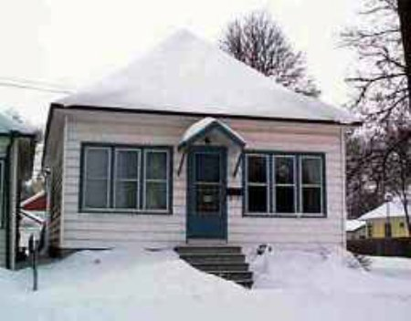 Main Photo: 835 Dudley Avenue: Residential for sale (Central)  : MLS(r) # 2400283