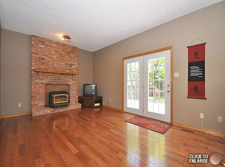 Photo 8: Photos: 412 BONNER Avenue in Winnipeg: Residential for sale (Algonquin Park)  : MLS®# 1110512
