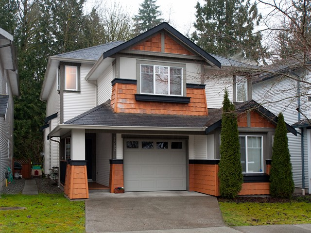 Main Photo: 24282 100B AV in Maple Ridge: Albion House for sale : MLS(r) # V1044792