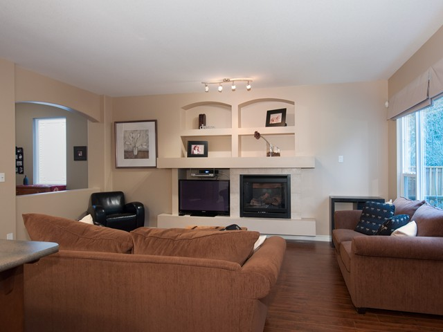 Photo 4: 24282 100B AV in Maple Ridge: Albion House for sale : MLS(r) # V1044792