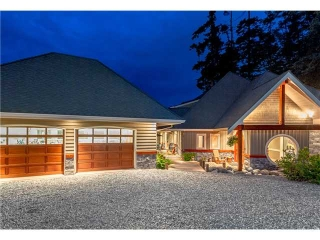 Main Photo: 746 TSAWWASSEN BEACH Road in Tsawwassen: English Bluff House for sale : MLS(r) # V1072466