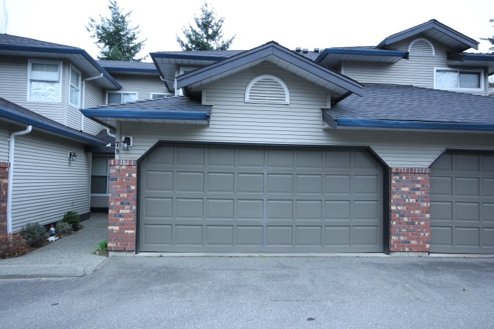 "Main Photo: 79 36060 OLD YALE Road in Abbotsford: Abbotsford East Townhouse for sale in ""Mountain View"" : MLS® # R2043635"
