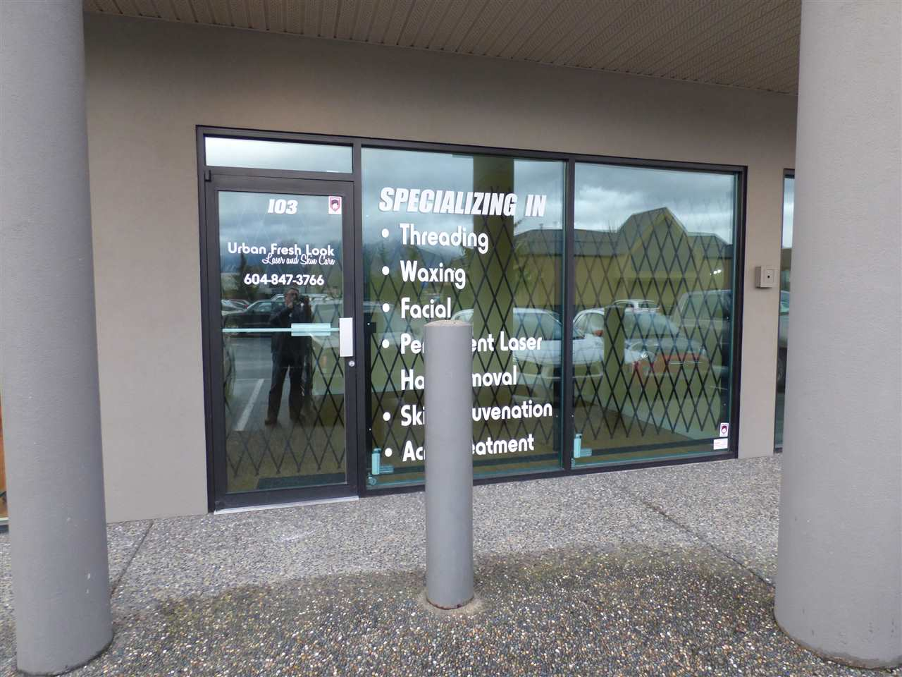 Main Photo: 103 45389 LUCKAKUCK Way in Chilliwack: Sardis West Vedder Rd Commercial for lease (Sardis)  : MLS® # C8004873