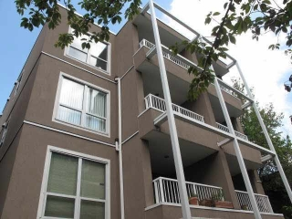 "Main Photo: 402 985 W 10TH Avenue in Vancouver: Fairview VW Condo for sale in ""The Monte Carlo"" (Vancouver West)  : MLS® # R2072072"
