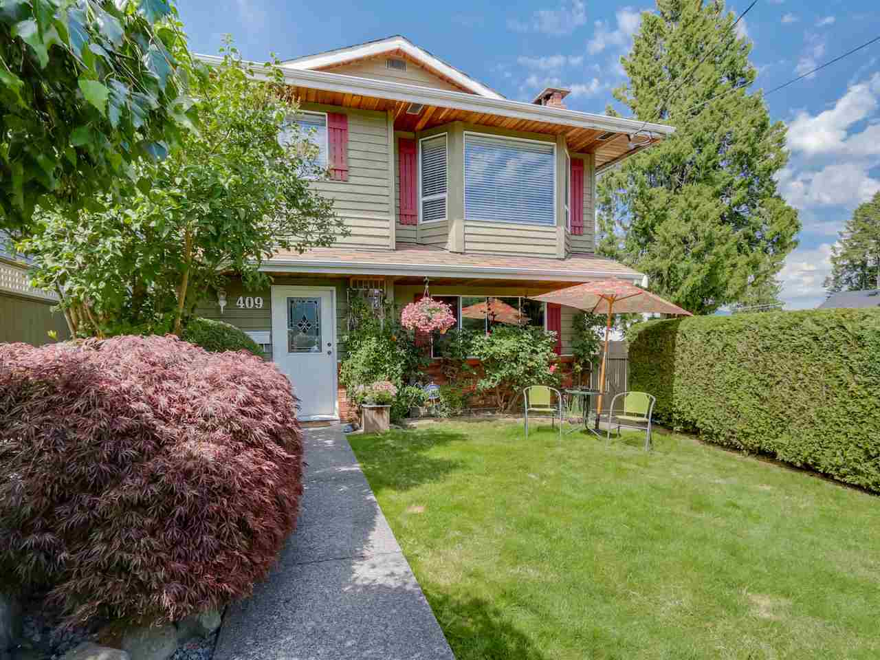 "Main Photo: 409 SHERBROOKE Street in New Westminster: The Heights NW House for sale in ""THE HEIGHTS"" : MLS®# R2085909"