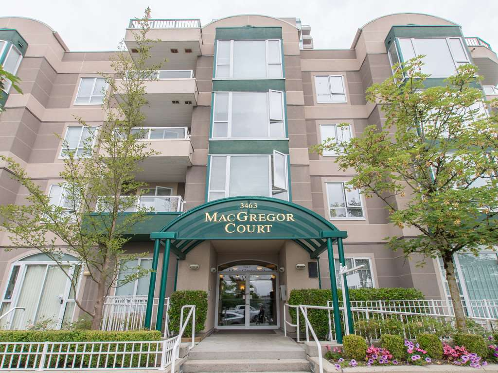 "Main Photo: 306 3463 CROWLEY Drive in Vancouver: Collingwood VE Condo for sale in ""THE MACGREGOR"" (Vancouver East)  : MLS® # R2092573"