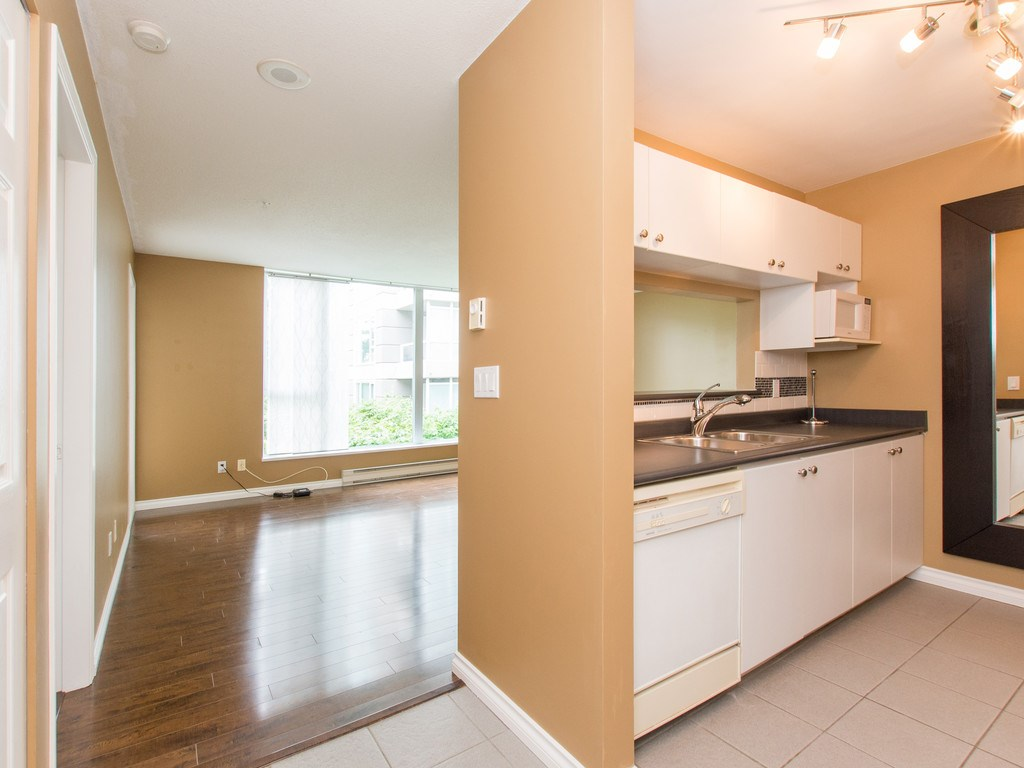 "Photo 2: 306 3463 CROWLEY Drive in Vancouver: Collingwood VE Condo for sale in ""THE MACGREGOR"" (Vancouver East)  : MLS(r) # R2092573"