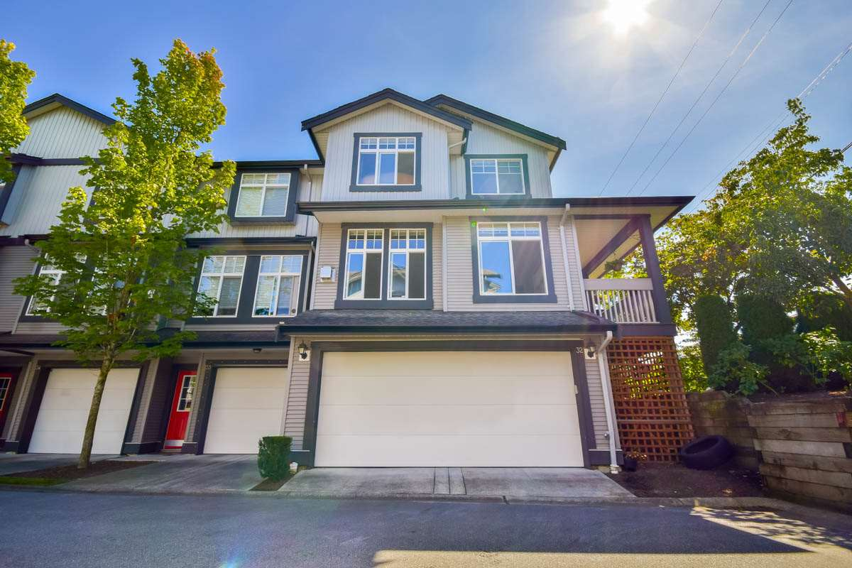 "Main Photo: 32 18828 69 Avenue in Surrey: Clayton Townhouse for sale in ""StarPoint"" (Cloverdale)  : MLS® # R2101515"