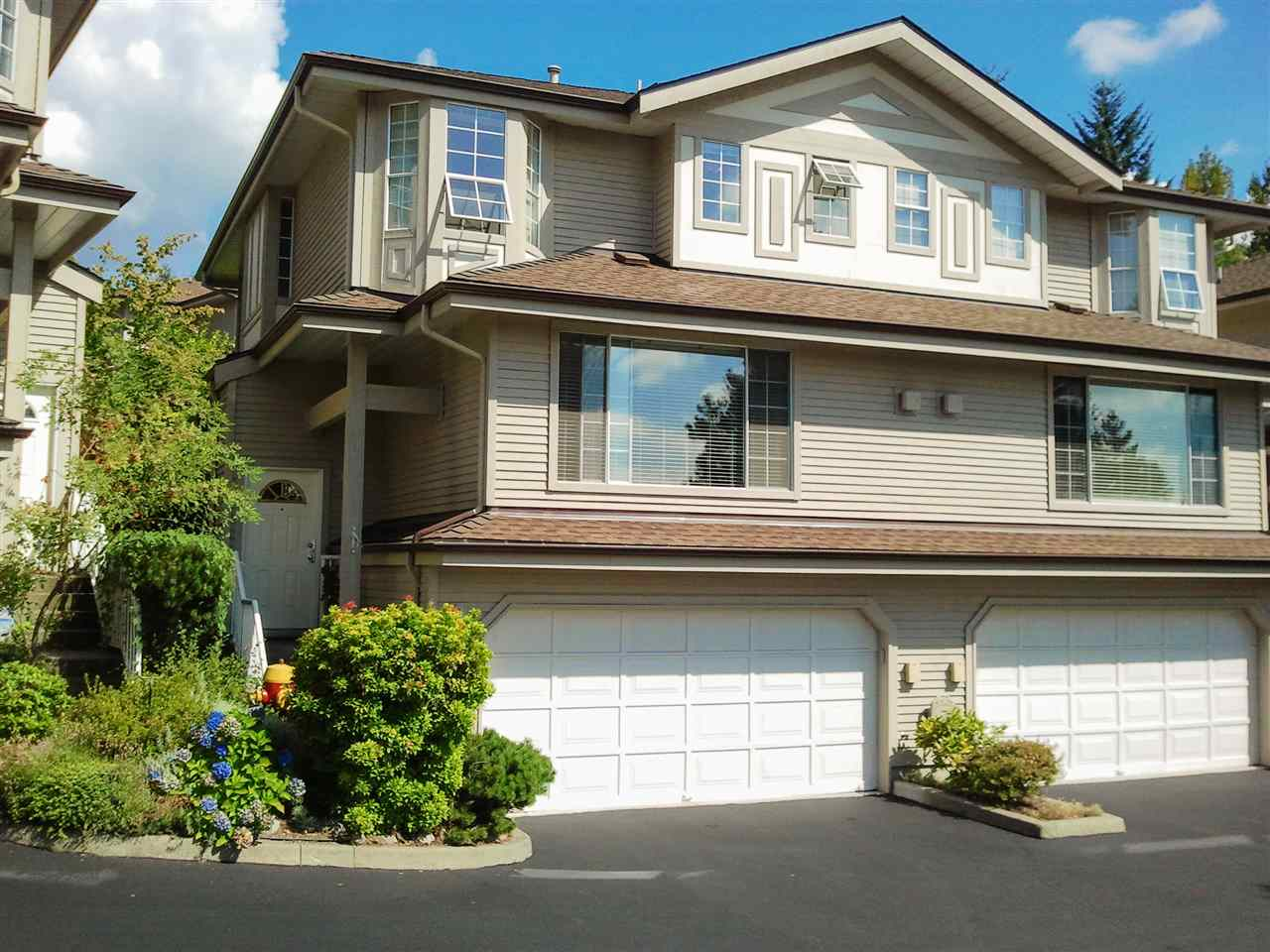 "Main Photo: 149 1495 LANSDOWNE Drive in Coquitlam: Westwood Plateau Townhouse for sale in ""GREYHAWKE ESTATES"" : MLS® # R2120772"