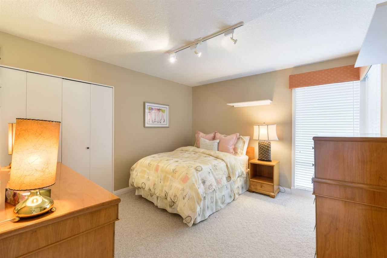 Photo 13: 67 WESTBROOK Drive in Edmonton: Zone 16 House for sale : MLS(r) # E4065373