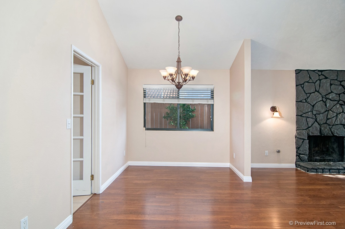 Photo 5: DEL CERRO House for rent : 4 bedrooms : 8184 Hillandale Drive in San Diego