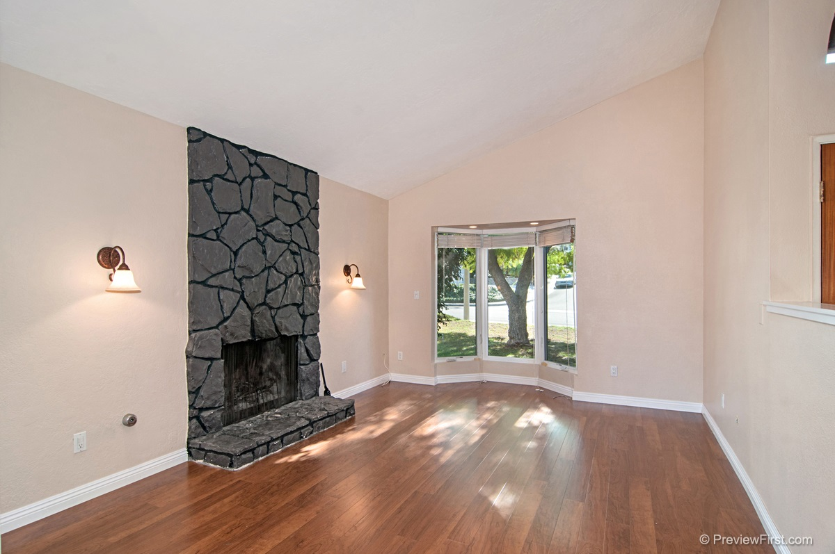 Photo 4: DEL CERRO House for rent : 4 bedrooms : 8184 Hillandale Drive in San Diego
