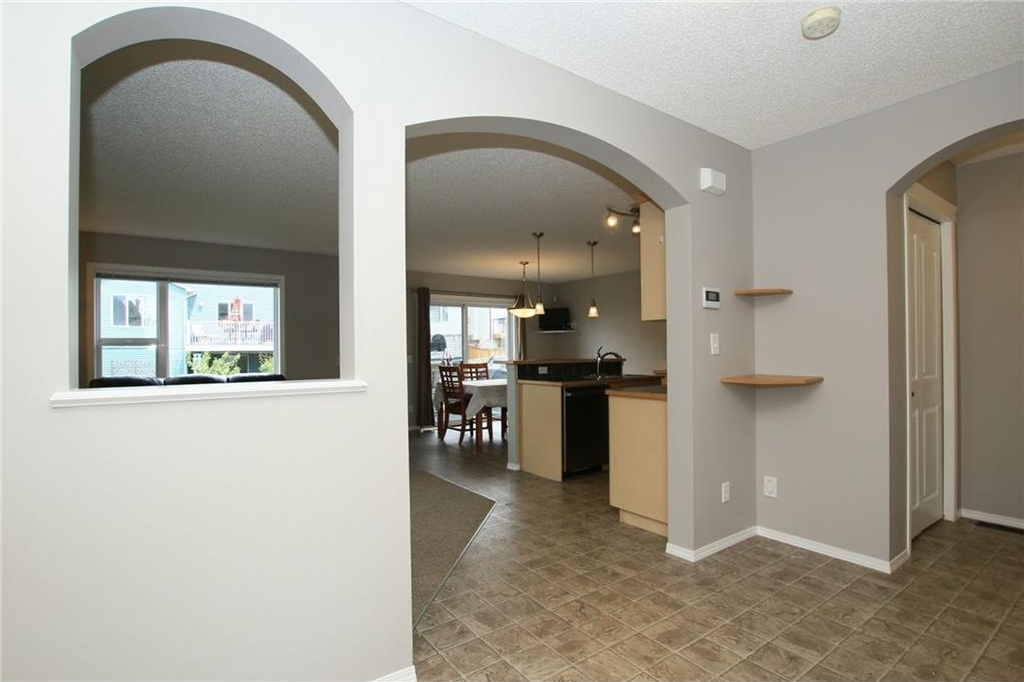 Photo 4: 20 Evanscreek Court NW in Calgary: Evanston House for sale : MLS® # C4123175