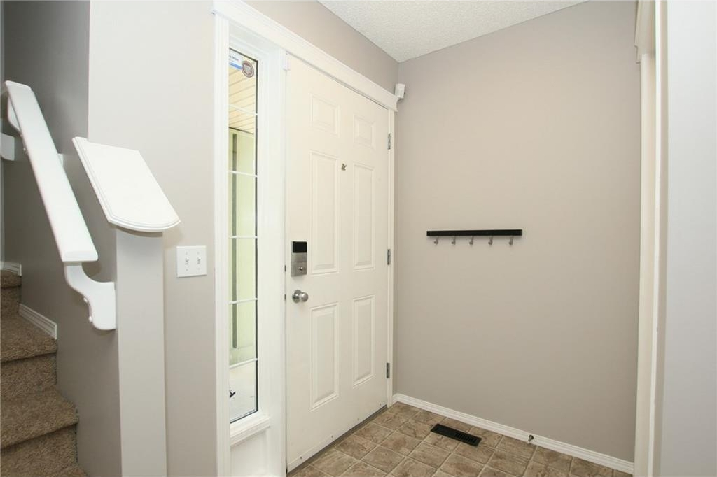 Photo 3: 20 Evanscreek Court NW in Calgary: Evanston House for sale : MLS® # C4123175