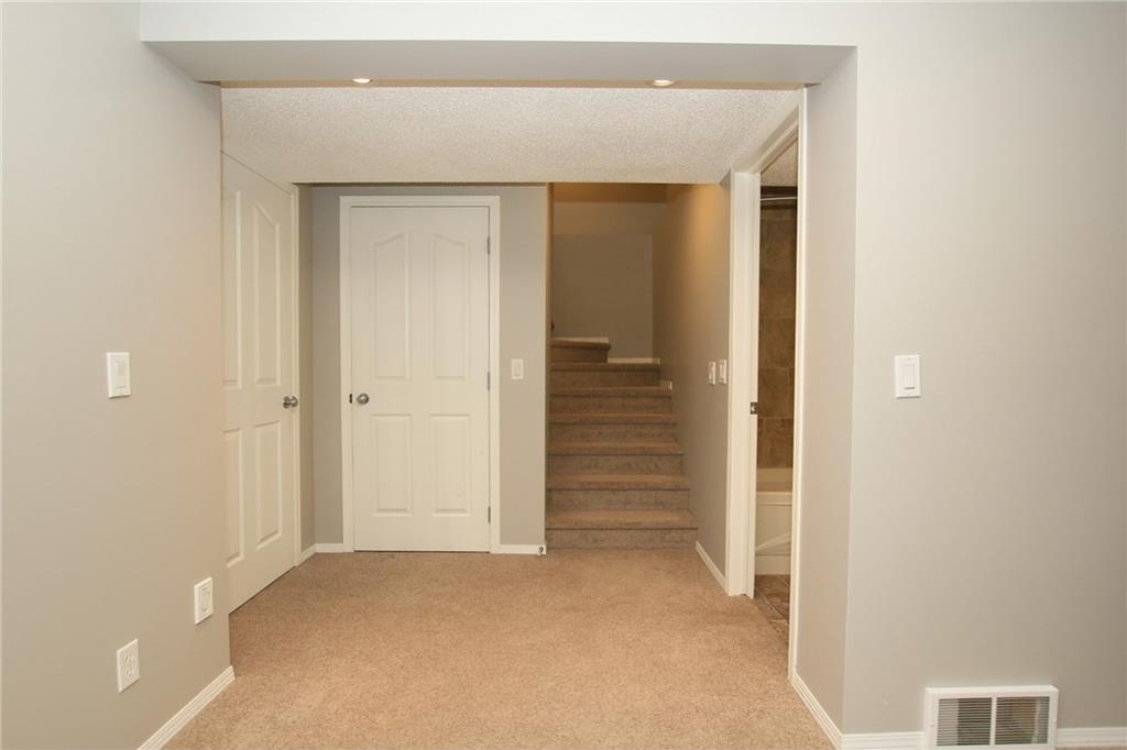 Photo 37: 20 Evanscreek Court NW in Calgary: Evanston House for sale : MLS® # C4123175