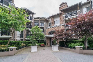 Main Photo: 401 8915 202 Street in Langley: Walnut Grove Condo for sale : MLS(r) # R2180575