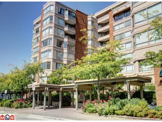 "Main Photo: 407 15111 RUSSELL Avenue: White Rock Condo for sale in ""PACIFIC TERRACE"" (South Surrey White Rock)  : MLS(r) # R2181826"