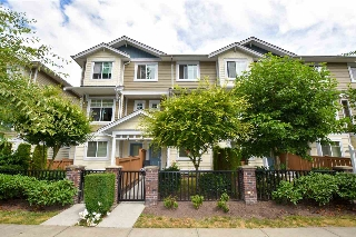 "Main Photo: 29 16355 82 Avenue in Surrey: Fleetwood Tynehead Townhouse for sale in ""LOTUS"" : MLS(r) # R2187191"