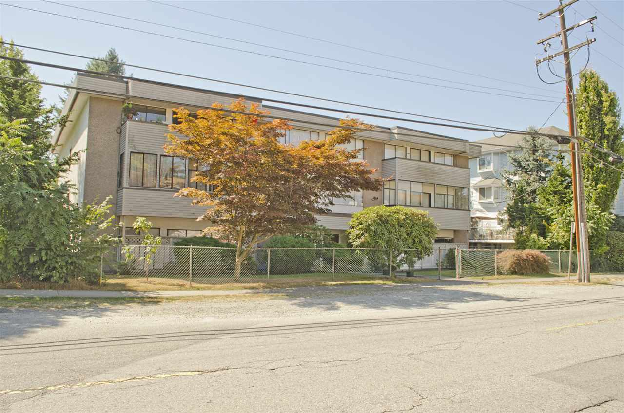 "Main Photo: 101 2036 COQUITLAM Avenue in Port Coquitlam: Glenwood PQ Condo for sale in ""BURKEVIEW MANOR"" : MLS®# R2200778"