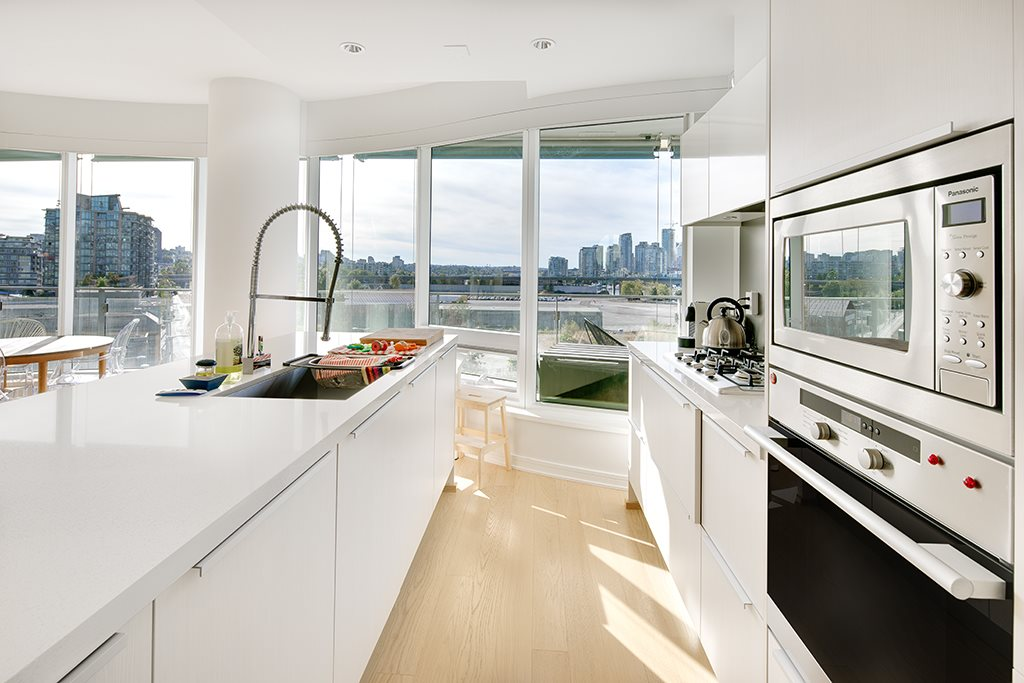 "Photo 5: 605 181 W 1ST Avenue in Vancouver: False Creek Condo for sale in ""BROOK"" (Vancouver West)  : MLS® # R2204910"