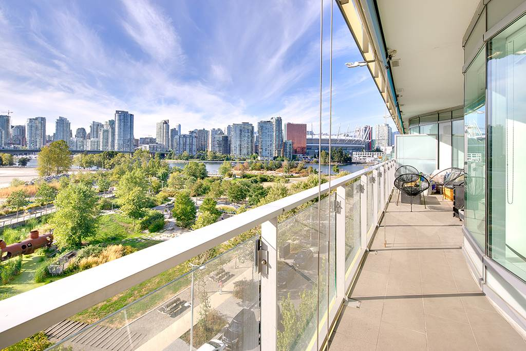 "Photo 13: 605 181 W 1ST Avenue in Vancouver: False Creek Condo for sale in ""BROOK"" (Vancouver West)  : MLS® # R2204910"