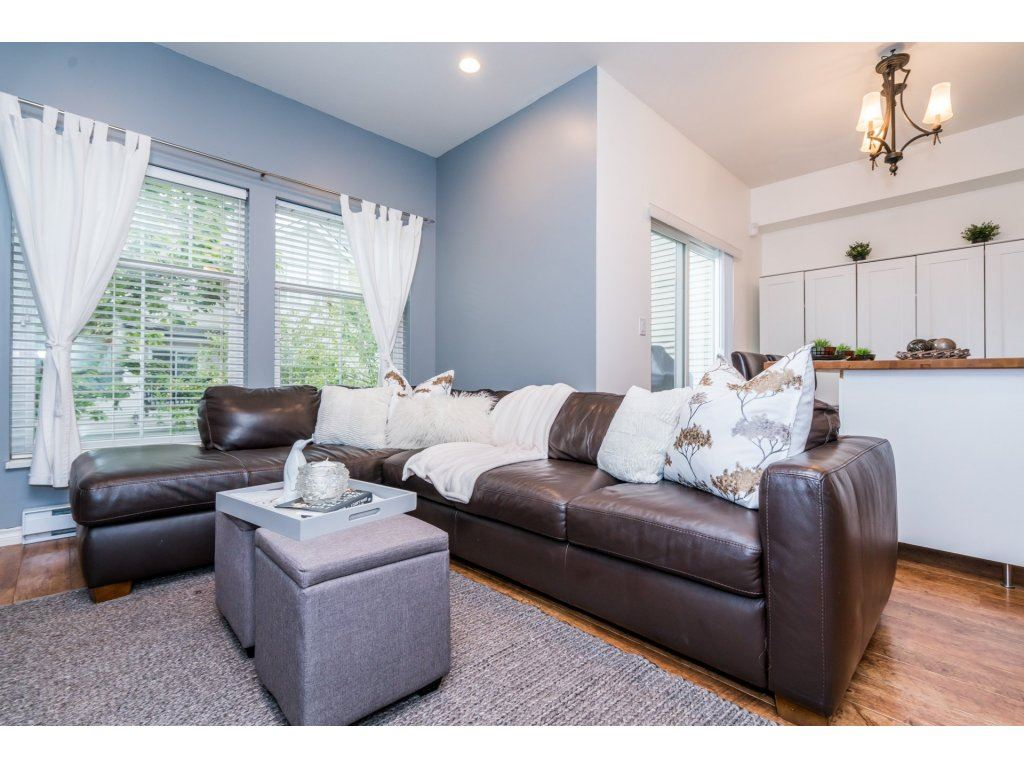 Photo 3: Photos: 13 21535 88 Avenue in Langley: Walnut Grove Townhouse for sale : MLS® # R2207412