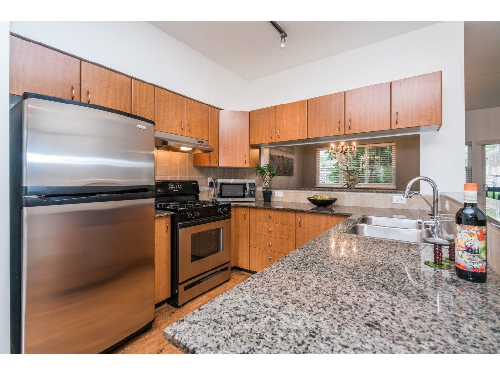 Photo 6: Photos: 13 21535 88 Avenue in Langley: Walnut Grove Townhouse for sale : MLS® # R2207412