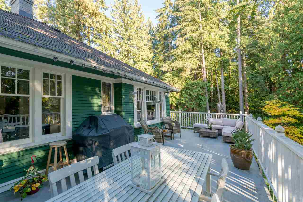 Main Photo: 461 E ST. JAMES ROAD in North Vancouver: Upper Lonsdale House for sale : MLS® # R2217635