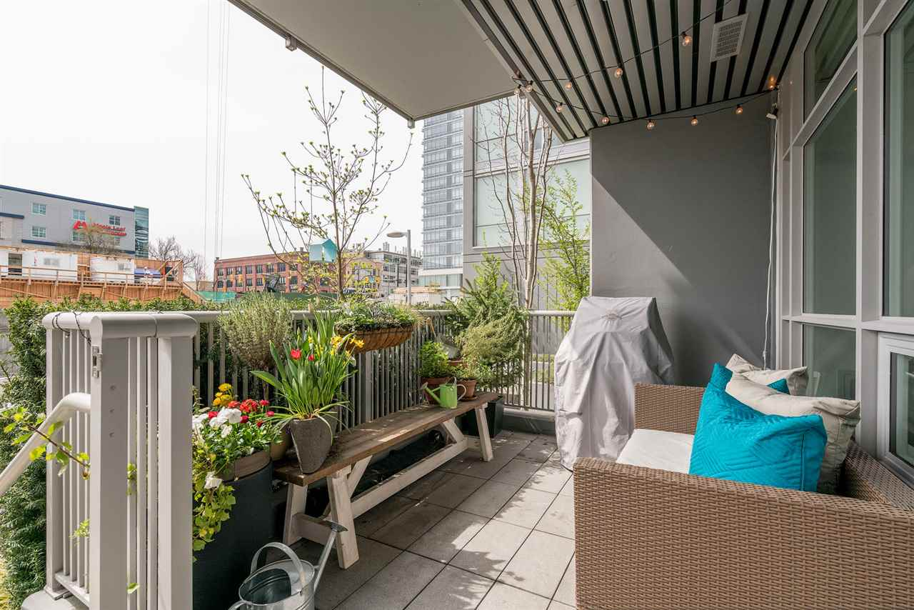 "Main Photo: 146 E 1ST Avenue in Vancouver: Mount Pleasant VE Condo for sale in ""Meccanica"" (Vancouver East)  : MLS®# R2259296"