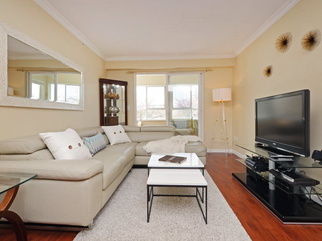 "Main Photo: 305 3624 FRASER Street in Vancouver: Fraser VE Condo for sale in ""Trafalgar"" (Vancouver East)  : MLS®# R2261939"