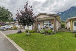 Main Photo: 24 21293 LAKEVIEW Crescent in Hope: Hope Kawkawa Lake House for sale : MLS®# R2284636