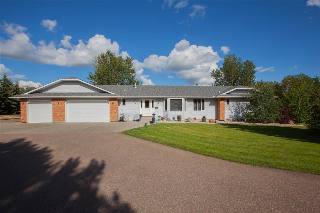 Main Photo: #65 Benjamin Road: Rural Sturgeon County House for sale : MLS®# E4119895