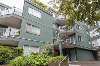 "Main Photo: 203 1550 MARINER Walk in Vancouver: False Creek Condo for sale in ""Mariners Point"" (Vancouver West)  : MLS®# R2288697"